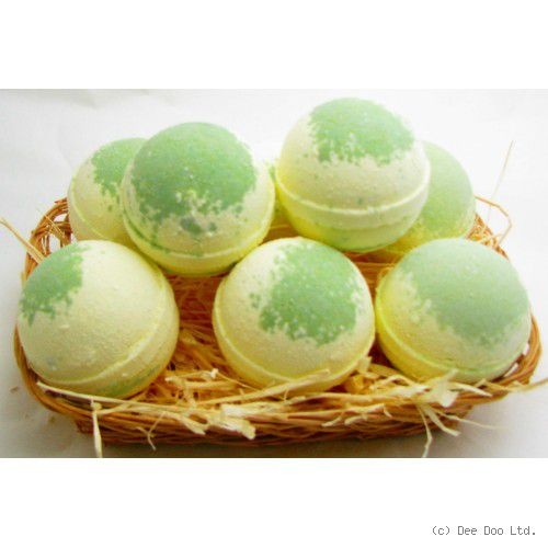 Lemongrass and Lime Medium Bath Bomb by Dee Doo